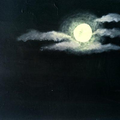 Skyet måne