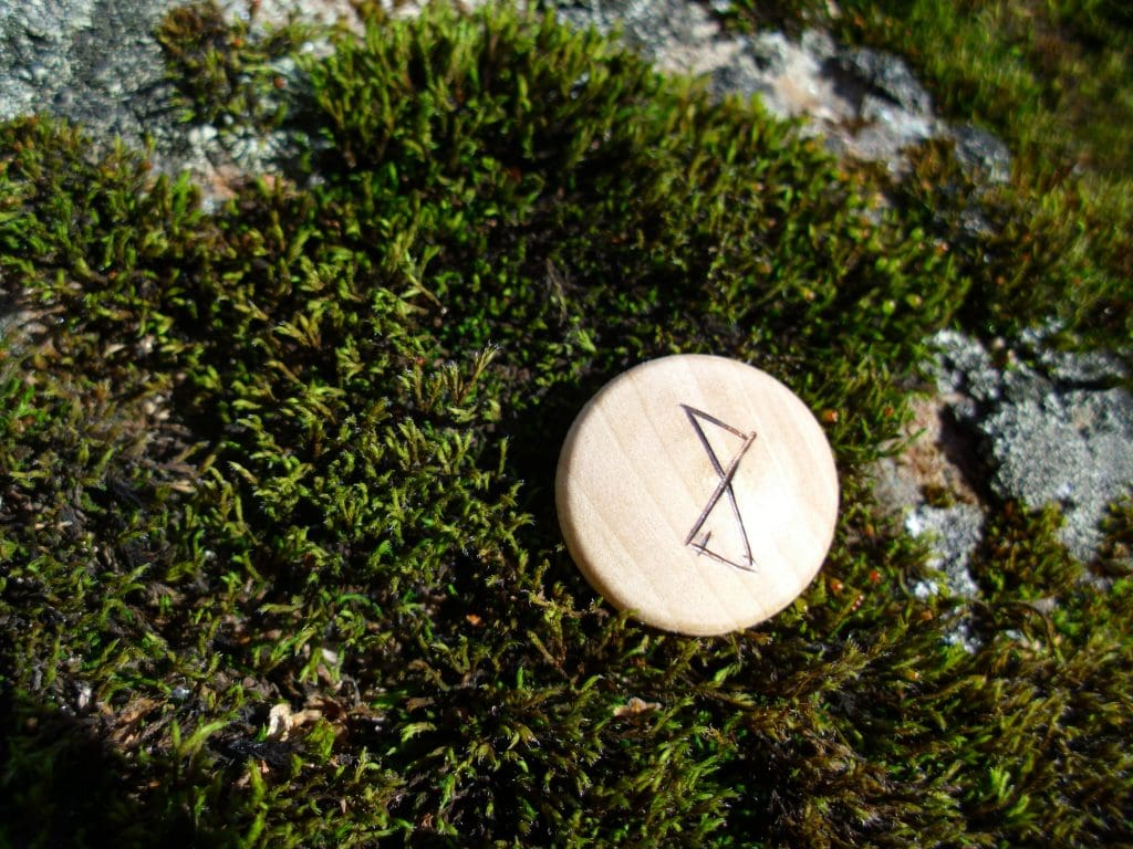 Pocket Rune for happiness - Wooden Rune Amulet