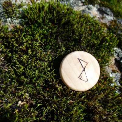 Pocket Rune for happiness - Wooden Rune Amulet - Lykke