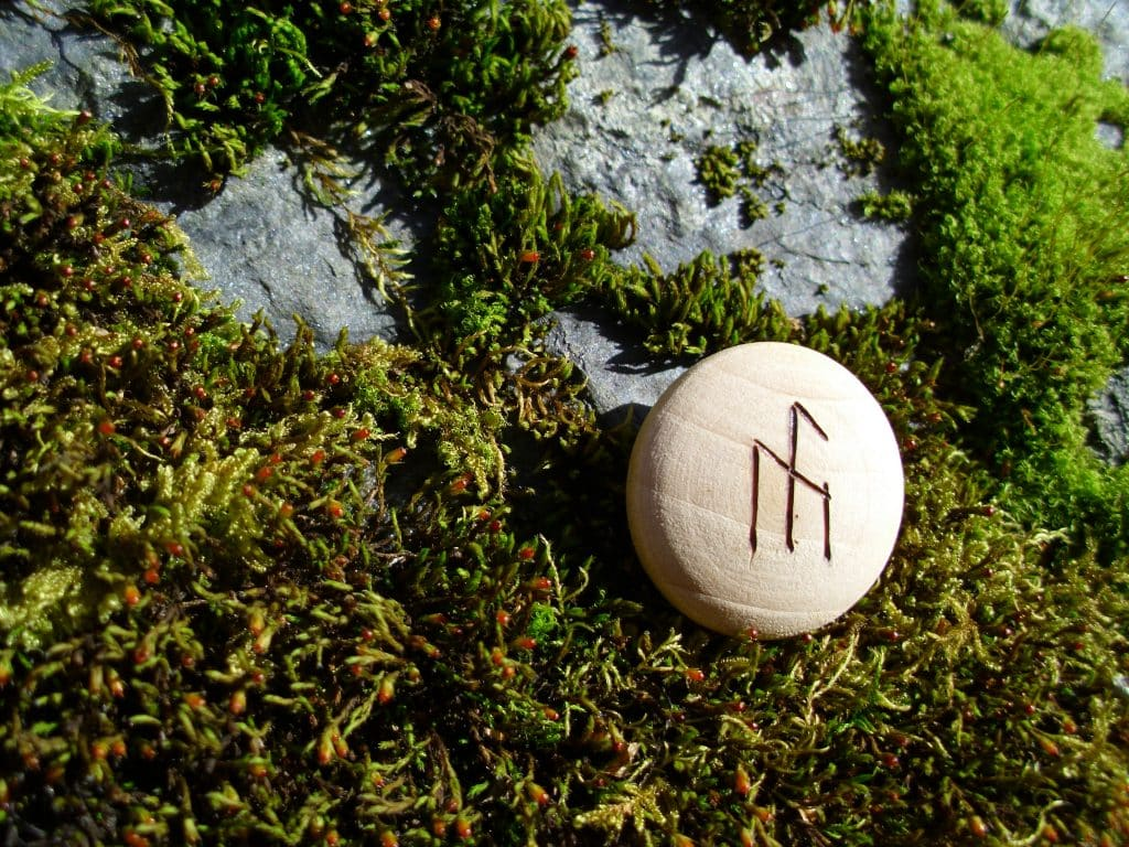 Pocket Rune for inspiration - Wooden Rune Amulet