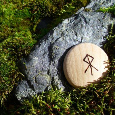 Pocket Rune for realizing ambitions - Wooden Rune Amulet - Realisere ambisjoner