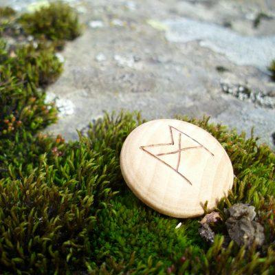 Pocket Rune for Self-Confidence - Wooden Rune Amulet - Selvtillit