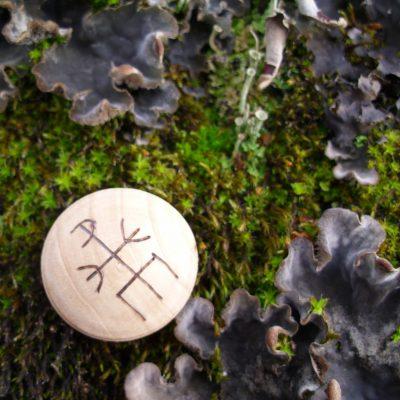 Pocket Rune to Block and Return - Wooden Rune Amulet / Blokkere og returnere