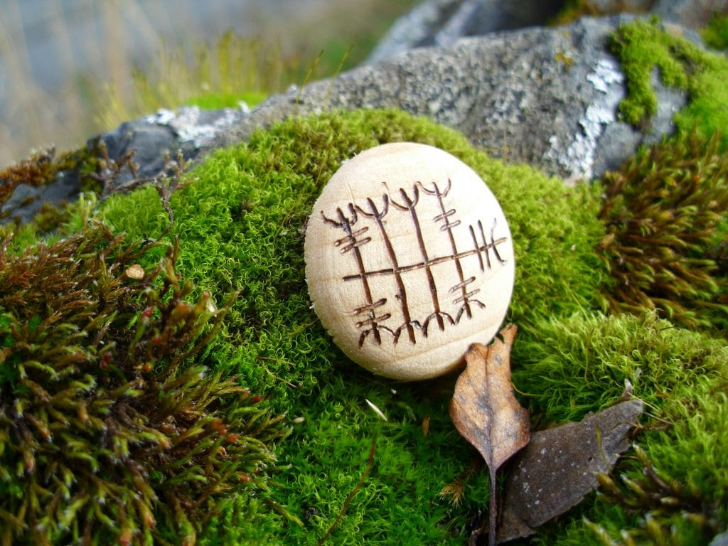 Pocket Rune to Close Deals - Wooden Rune Amulet