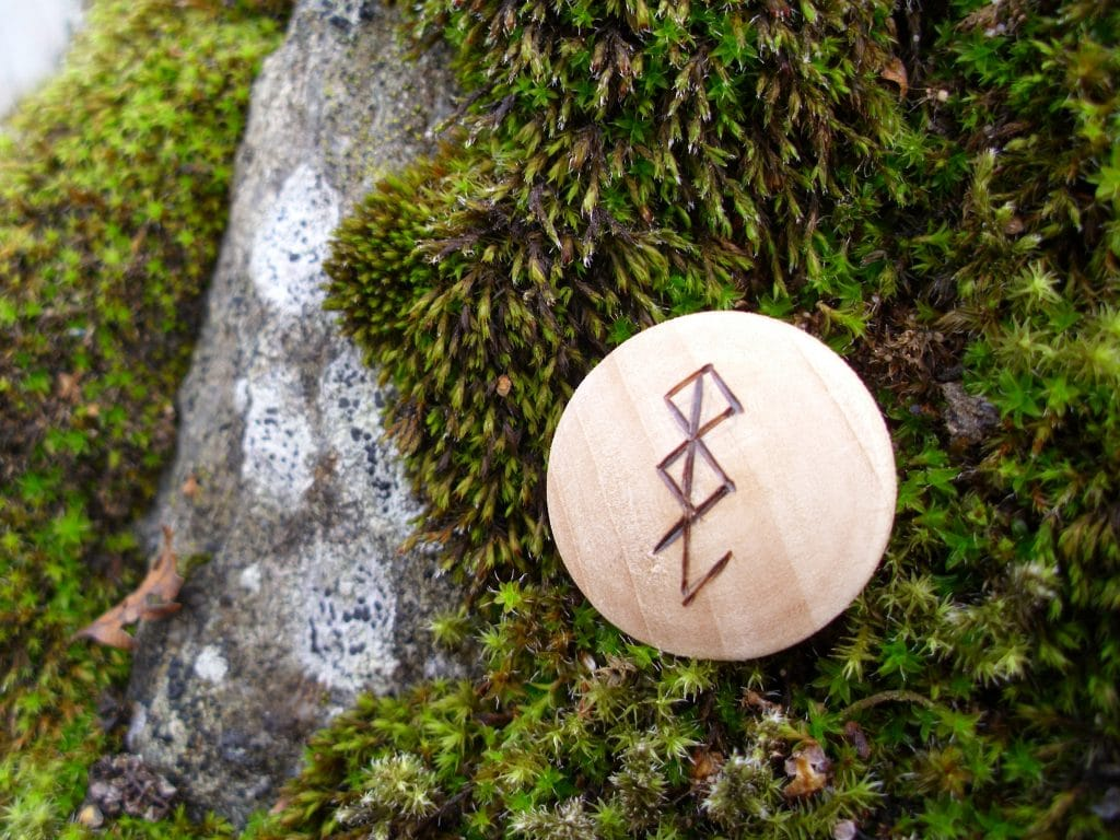 Pocket Rune for Computer Protection - Wooden Rune Amulet