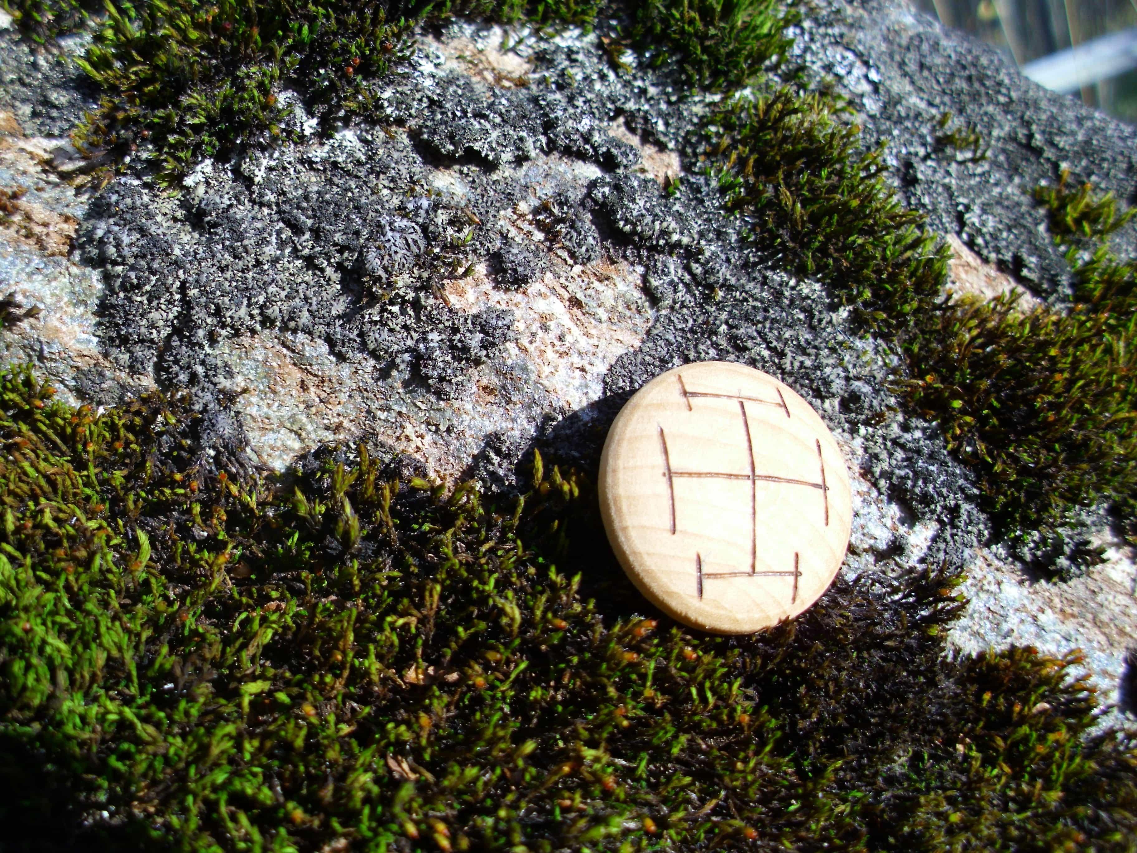 Pocket Rune for Concentration - Wooden Rune Amulet - Konsentrasjon