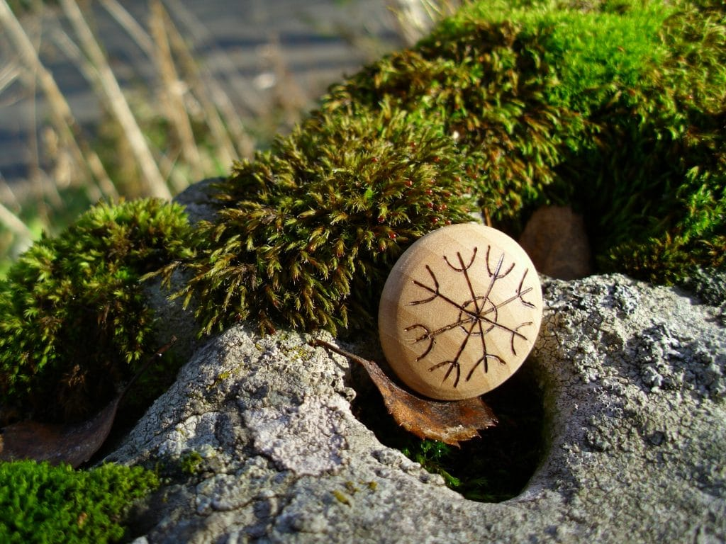 Pocket Rune to aid in making your dreams come true - Wooden Rune Amulet
