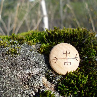 Pocket Rune to End Strife - Wooden Rune Amulet - Stoppe stridigheter