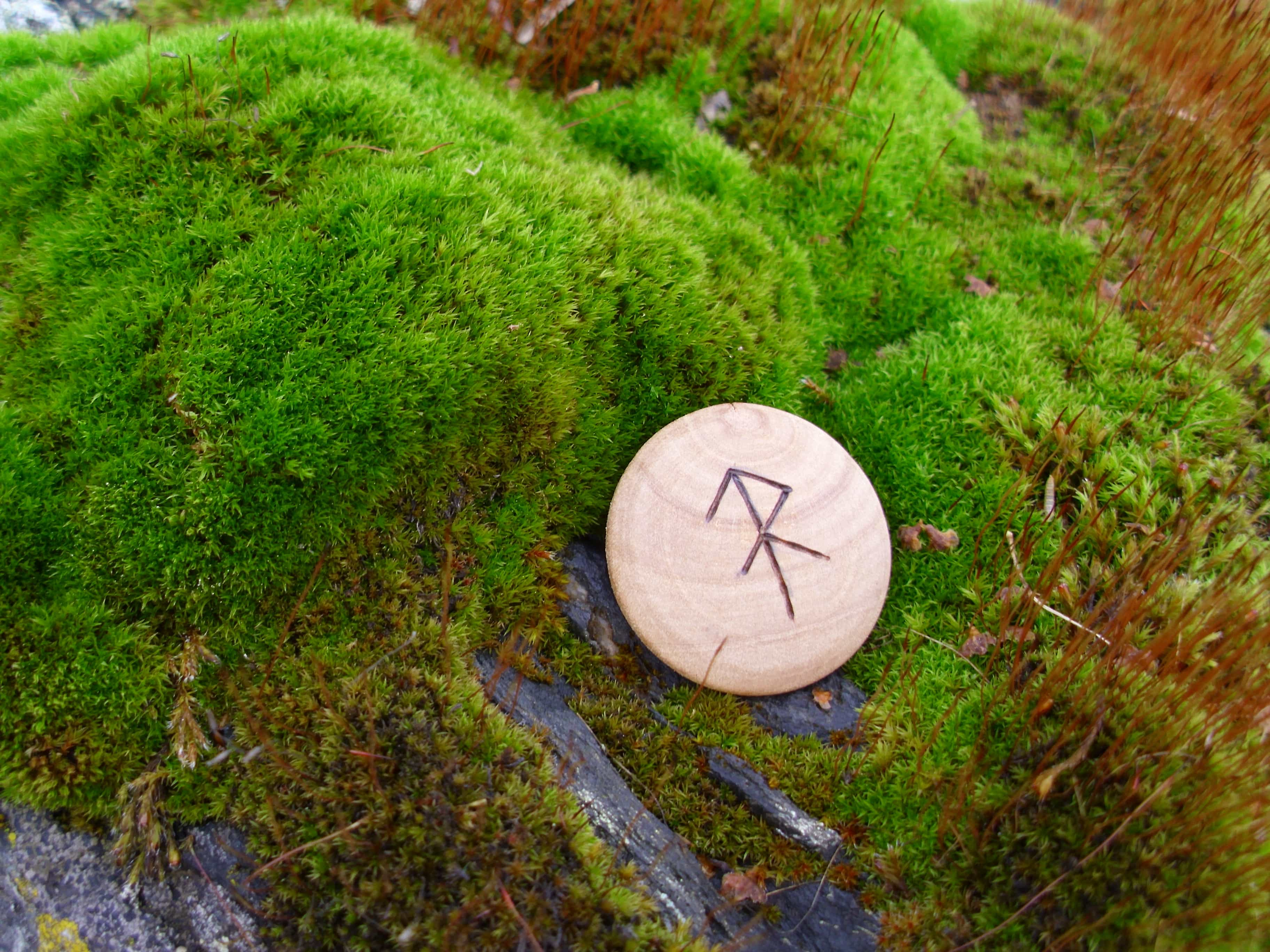Pocket Rune for Energy - Wooden Rune Amulet - energi