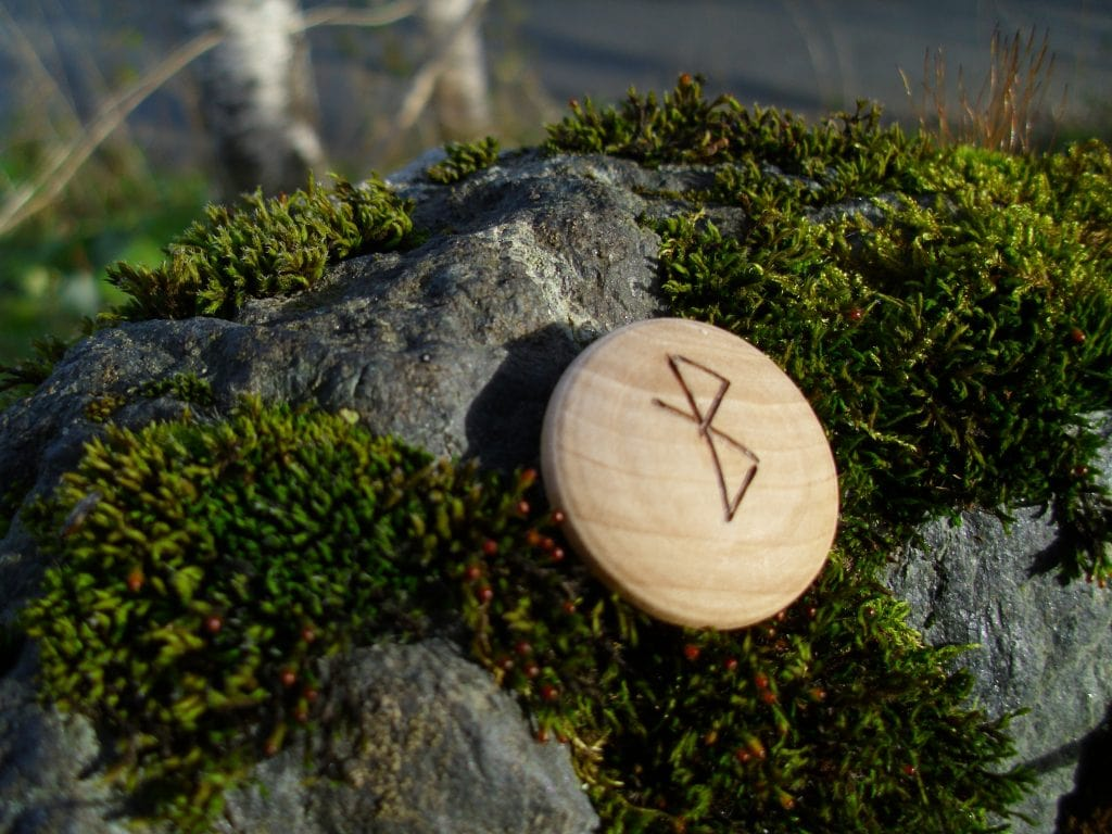 Pocket Rune for Healing - Wooden Rune Amulet