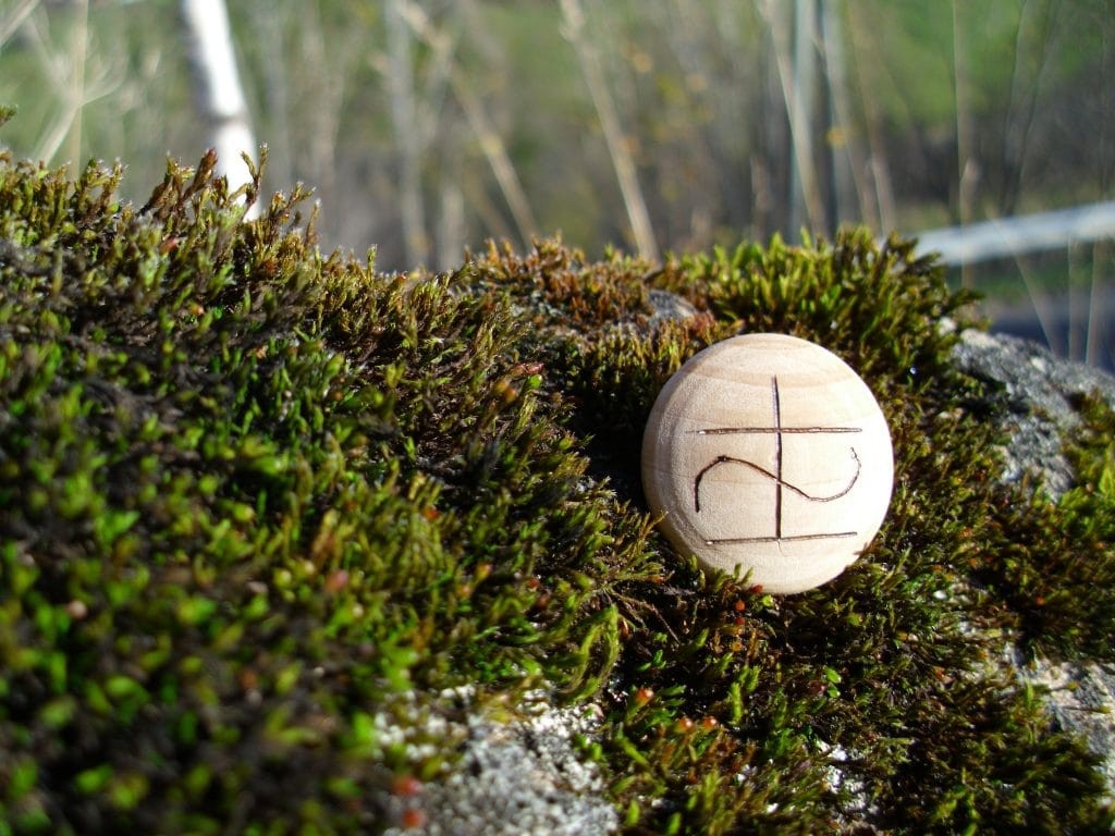 Pocket Rune for Health and Healing - Wooden Rune Amulet