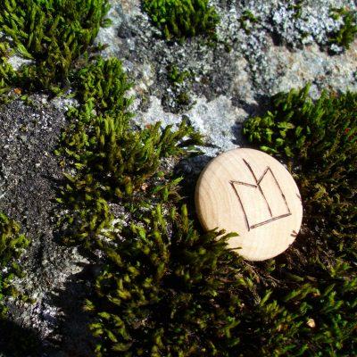 Pocket Rune for Job Luck - Wooden Rune Amulet - Hell på jobb