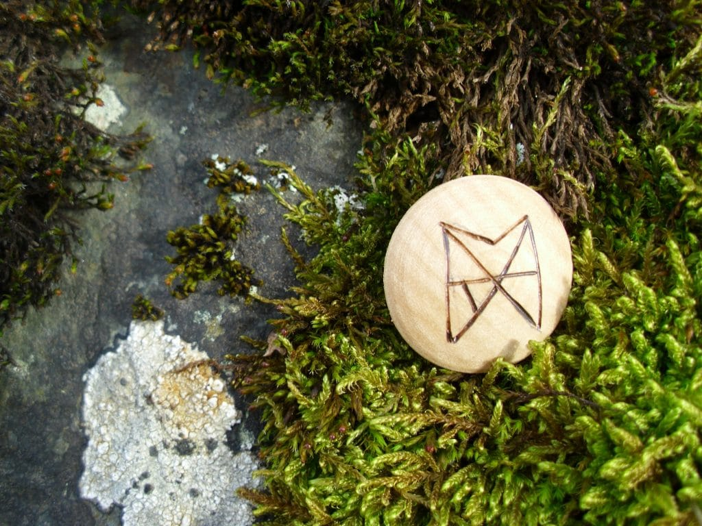Pocket Rune for Love and Trust - Wooden Rune Amulet