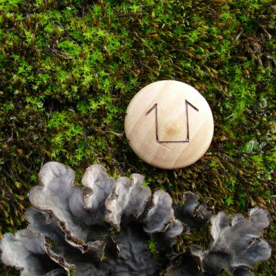 Pocket Rune for Mother and Daughter - Wooden Rune Amulet - Mor og datter