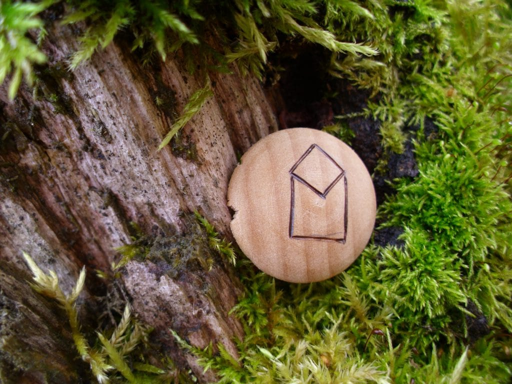 Pocket Rune for Movement and Change - Wooden Rune Amulet