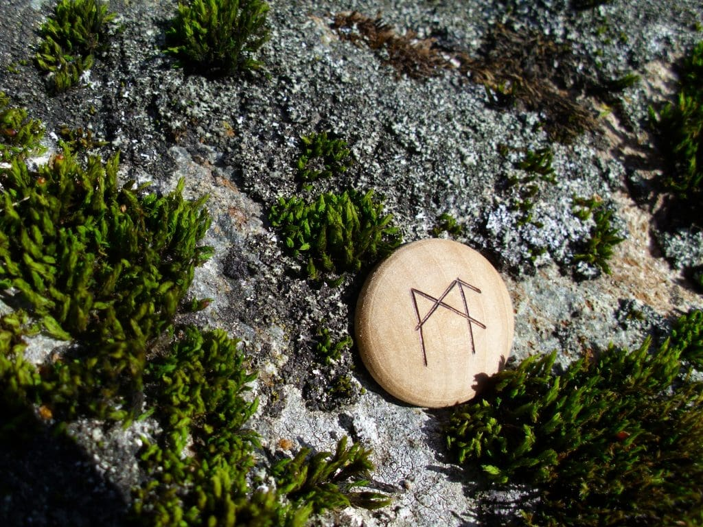 Pocket Rune for Mental Capacity - Wooden Rune Amulet