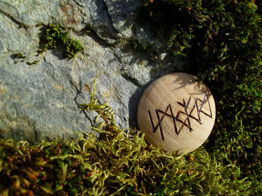 Pocket Rune to Stop Smoking - Wooden Rune Amulet
