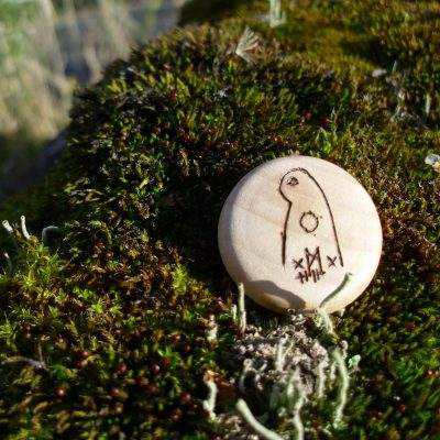 Pocket Rune to See What's Hidden - Wooden Rune Amulet - Se det skjulte