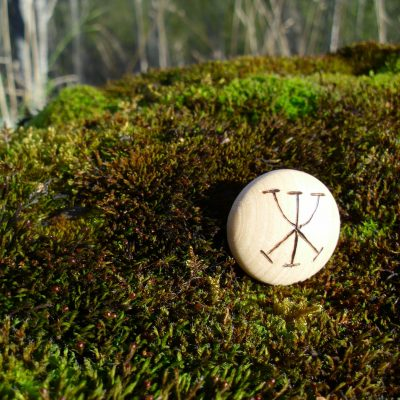 Pocket Rune for Work and Money - Wooden Rune Amulet - Jobb og Penger