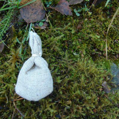Custom Handmade Fabric Amulet Bag - Tilpasset håndlagd amulettpose i stoff