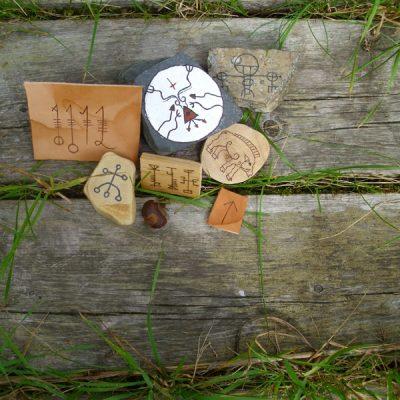 Custom Handmade Amulets - Tilpassede håndlagde amuletter