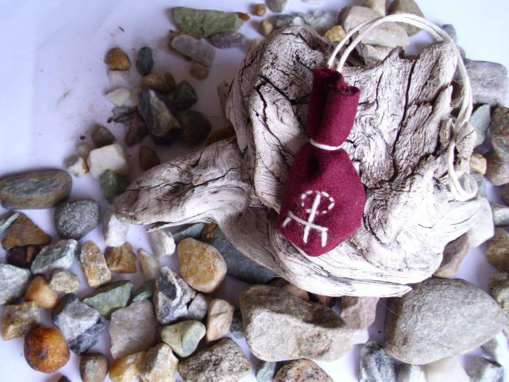 Amulet bag for love