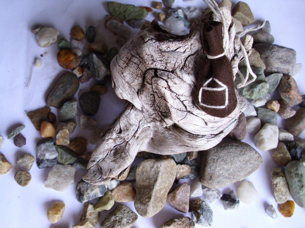 Amulet bag for change