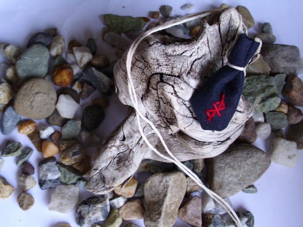 Amulet bag against stress