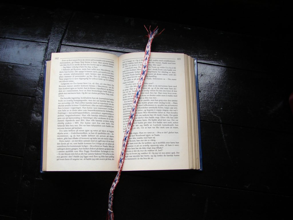 Tablet woven bookmark - X and Arrows