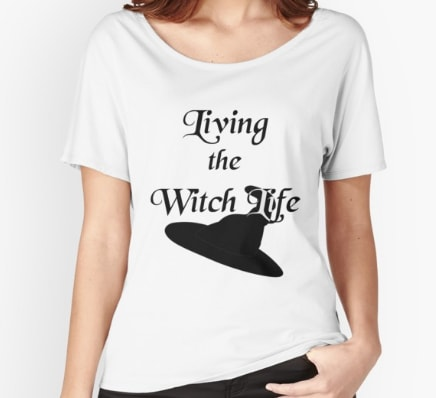 Living the witch life - relaxed t-shirt