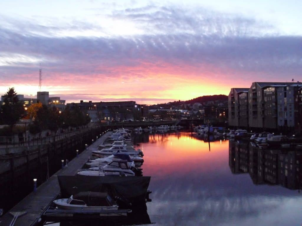 The same sunrise in Trondheim, one minute later