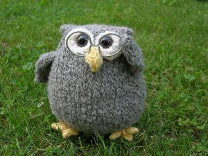 A knit owl