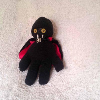 Garou, the glovely vampire by Linda Ursin