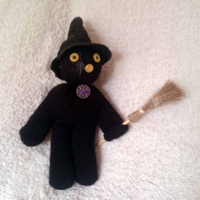 Grizelda, the glovely witch by Linda Ursin